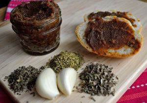 DIY Wednesday: Herbed Macadamia Butter | Life Healthfully Lived