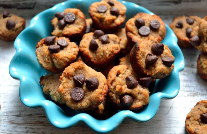 DIY Wednesday: Better For You Banana Chocolate Chip Mini Muffins