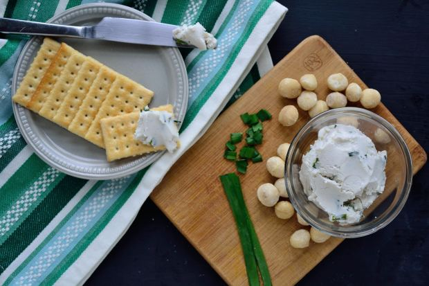 Macadamia Chive Cream Cheese | Life Healthfully Lived