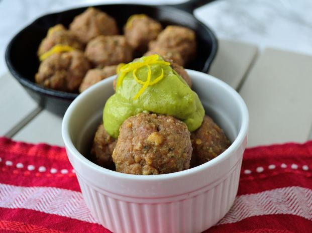Lamb Meatballs with Roasted Green Pepper Sauce | Life Healthfully Lived