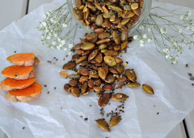 Turmeric Roasted Pumpkin Seeds | Life Healthfully Lived