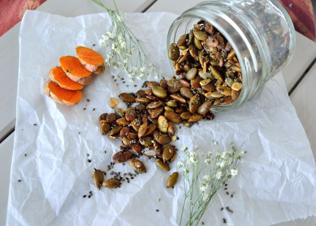 Turmeric Roasted Pumpkin Seeds | Life Healthfully Lived